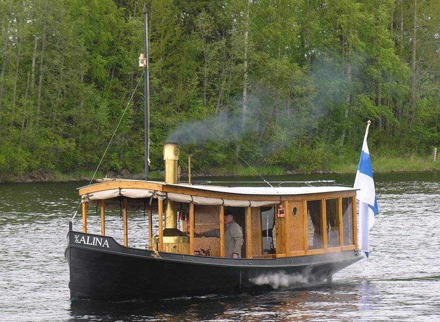 Steamboat Alina - Picture 1